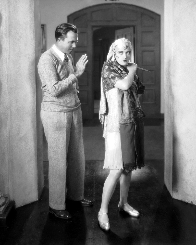 21st October 1927: King Vidor (1894 - 1982) directs Marion Davies (1897 - 1961) in 'The Patsy' (aka 'The Politic Flapper').