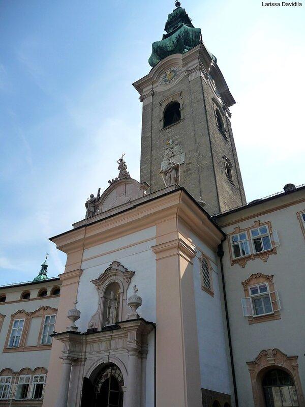 Фасад собора Св. Петра.