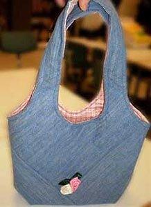 И с молниеей.  Девочки, вот нашла интересный МК по пошиву сумки.