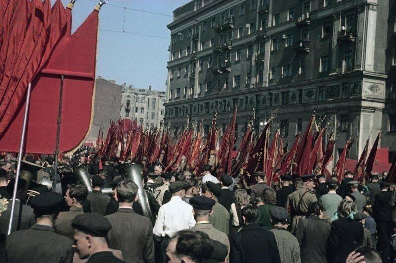 1948 1 мая Демонстрация Пролетарского района. Владислав Микоша6.jpg