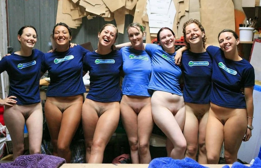 Девушек в фото оргия трусиках