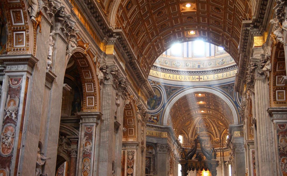 Католический Собор Святого Петра — крупнейшее здание Ватикана, почитаемое христианами всего мира. Им
