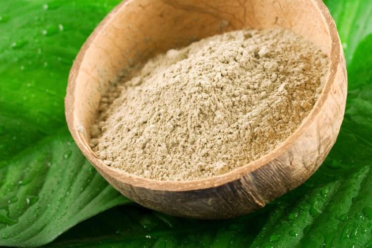 Содержит много железа и калия, обладает легким отшелушивающим эффектом, выводит токсины, улучшае