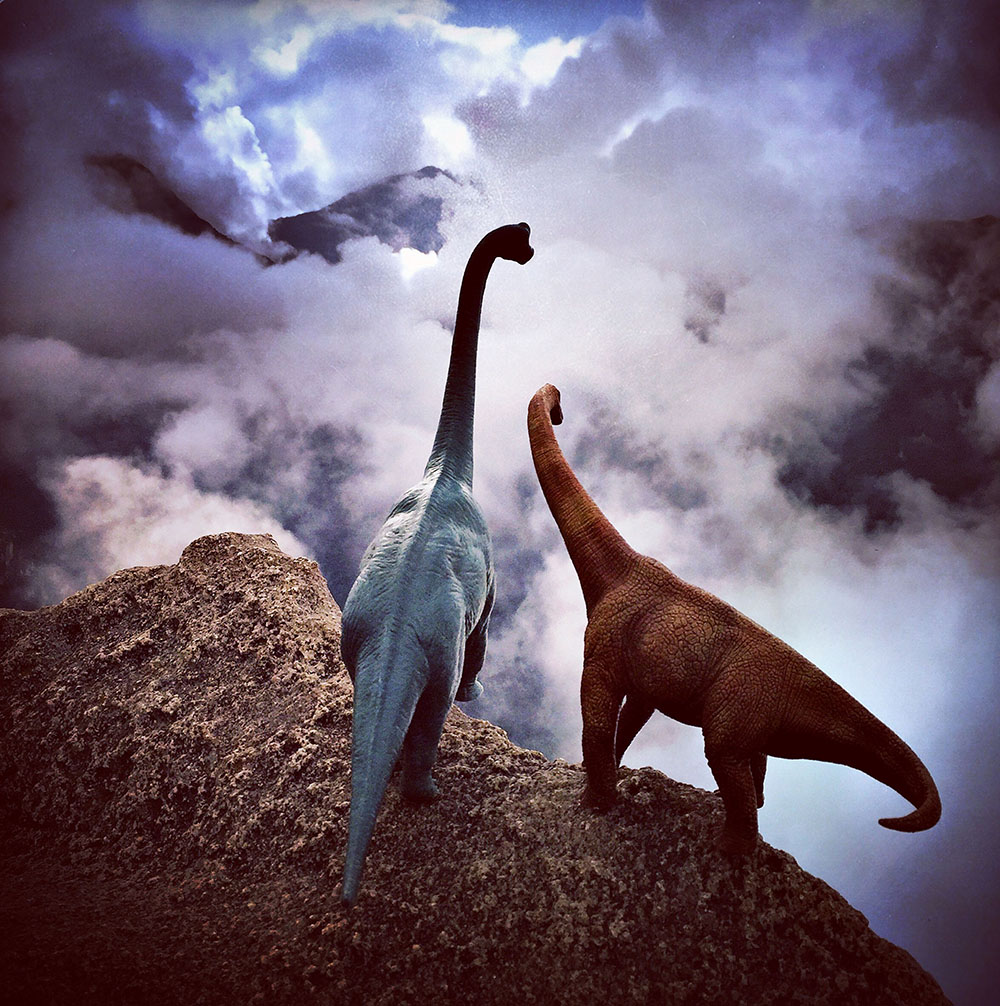 Toy Dinosaurs Add a Prehistoric Dimension to Travel Snapshots (11 pics)