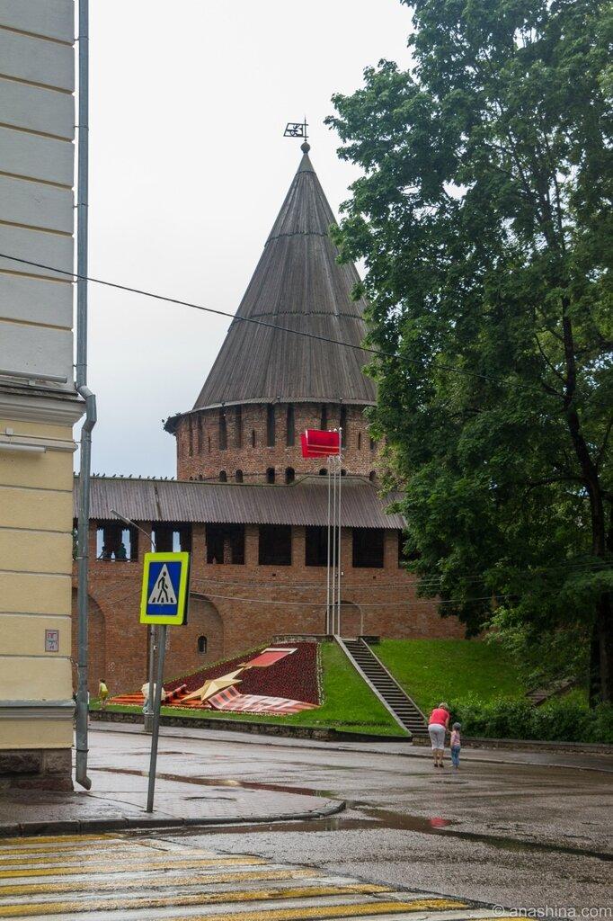 """Громовая башня и памятный знак """"Смоленск - город-герой"""""""