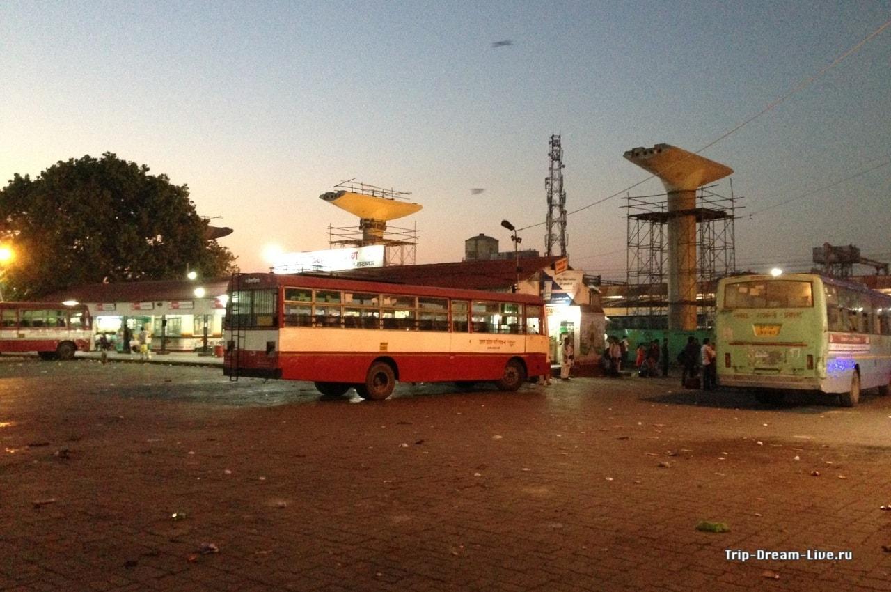 Автовокзал в Лакхнау