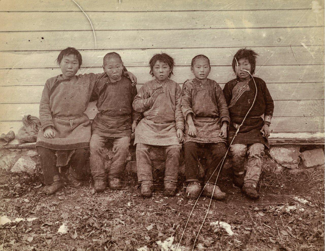 Нанайские дети