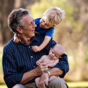 дед с внуками