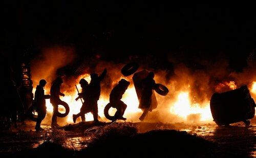 Сельчане верят в силу пасхальных костров и горящих покрышек