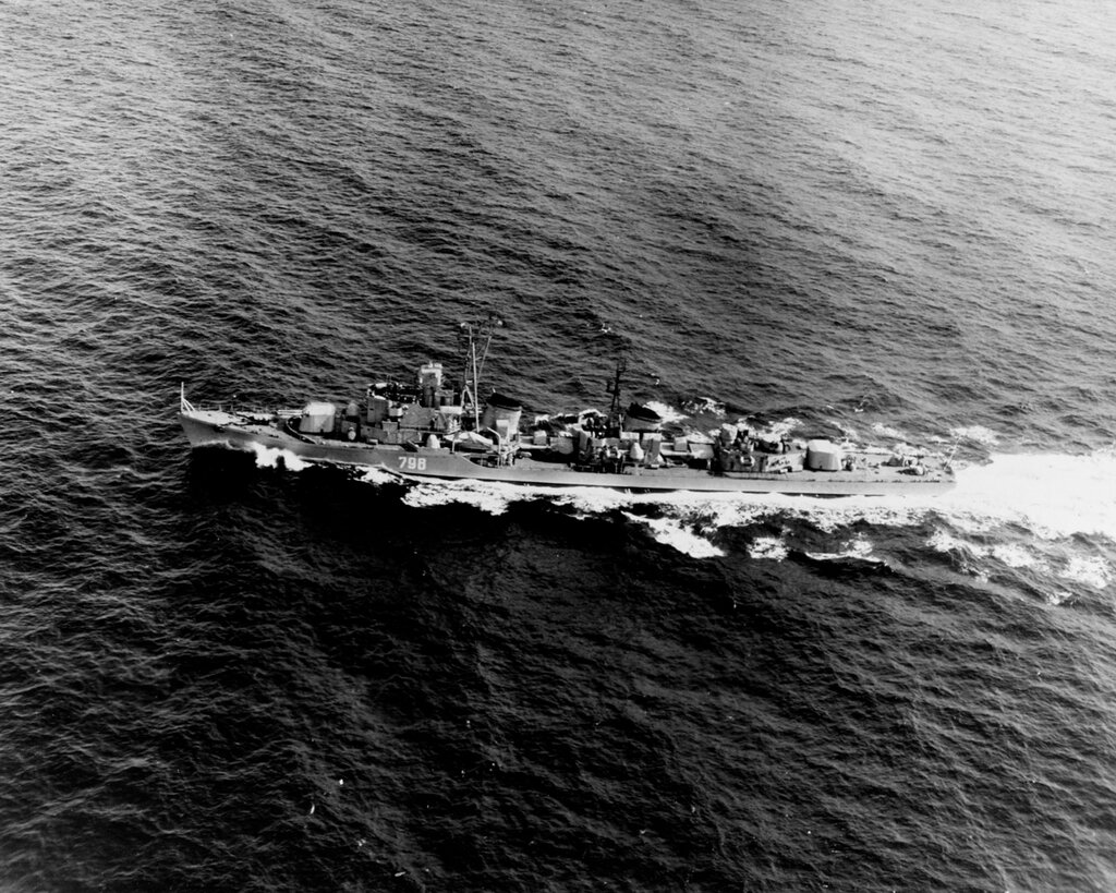Soviet SKORYY Class Destroyer, photographed during 1960 in the North Atlantic.