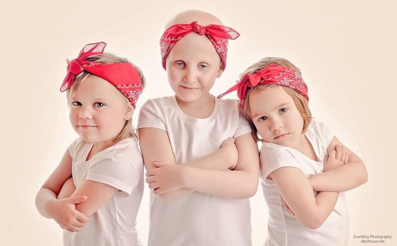 Имена этих чудесных девочек — Реанн Франклин (Rheann Franklin), Энсли Питерс (Ainsley Peters) и Райл