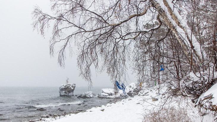 2. Байкальская Черепаха — довольно попсовый объект для съёмки, но красива в любое время года. По пра