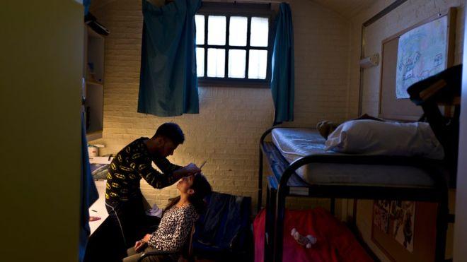 Тюрьма в Нидерландах, ставшая домом для сотен беженцев