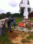 4 сентября в Троицком храме в Чижах деревни Часовня Павлово Посадского благочиния после молебна о Божием творенииприхожане посадили деревья на территории храма