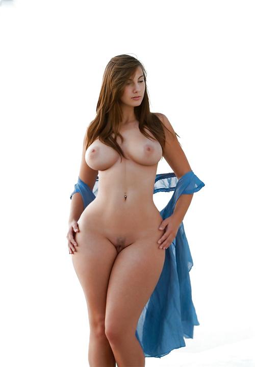 Фото голые супер модели с широкими бедрами