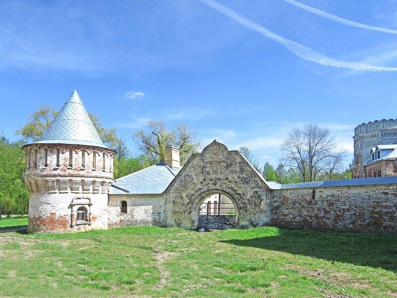 Фёдоровский городок, Белокаменные ворота