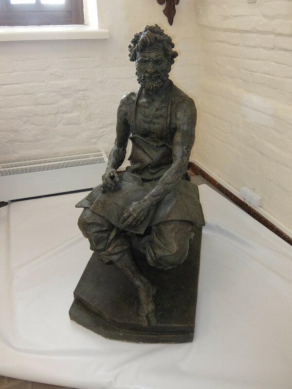Тобольский Кремль - Дворец наместника - Скульптура