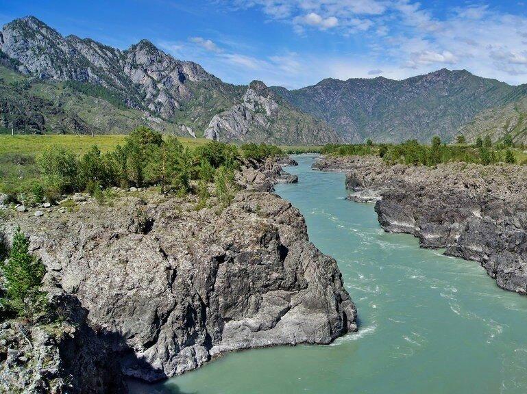 Река, на Алтае...