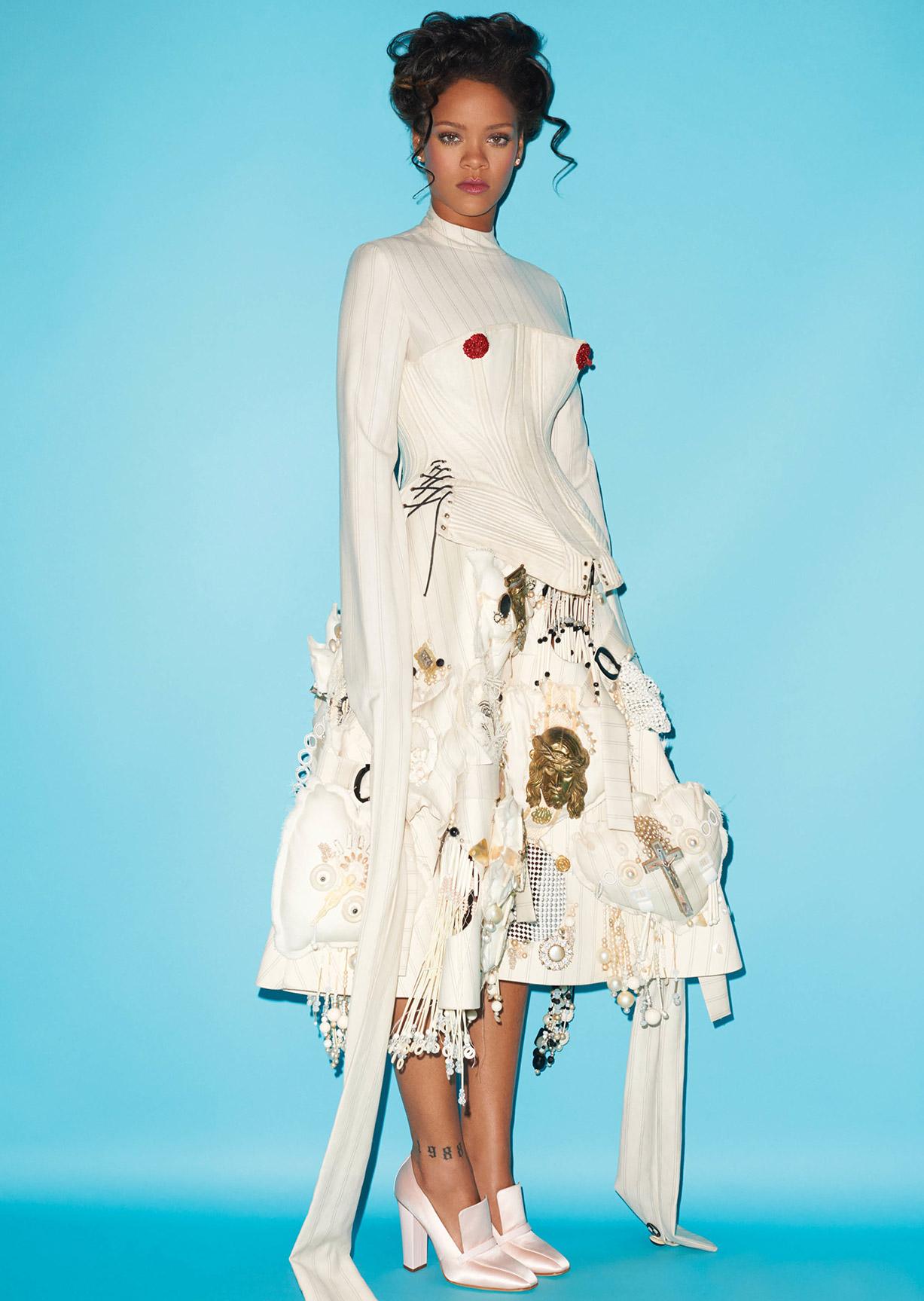 Рианна в образе Марии Антуанетты в журнале CR Fashion Book no.9 / Rihanna by Terry Richardson