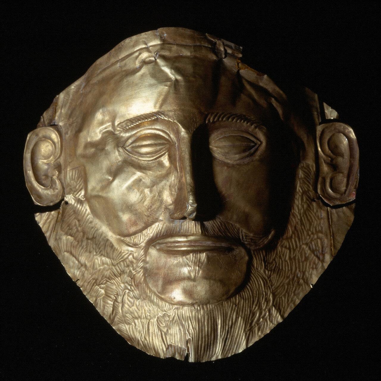 Посмертная маска из Микен, из могилы В. Высота 26 см, середина XVI в. до нашей эры
