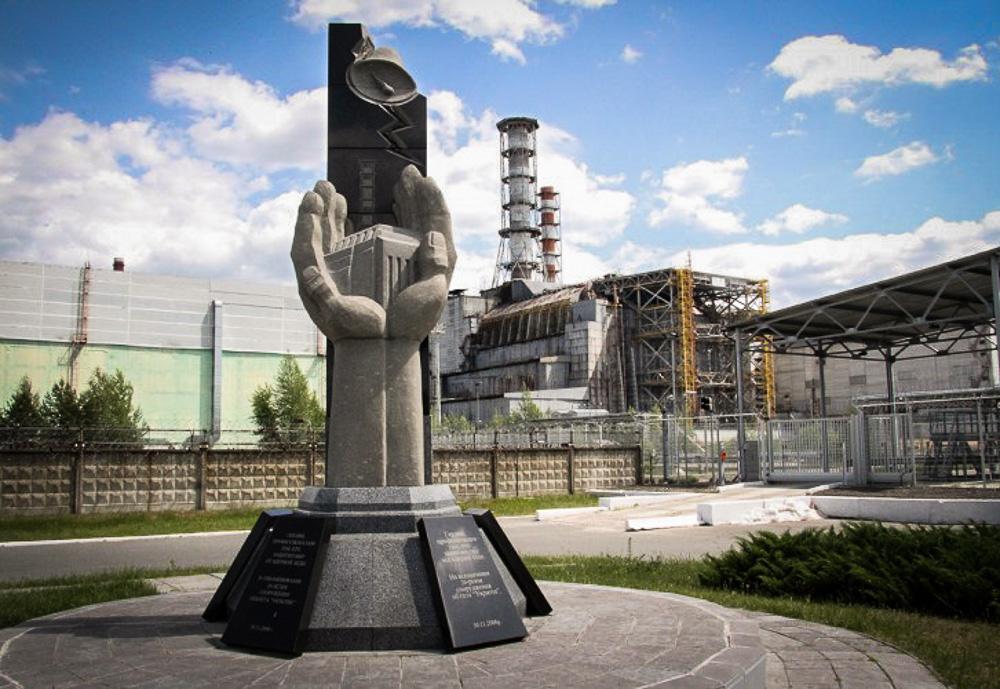 Памятники чернобыль картинки