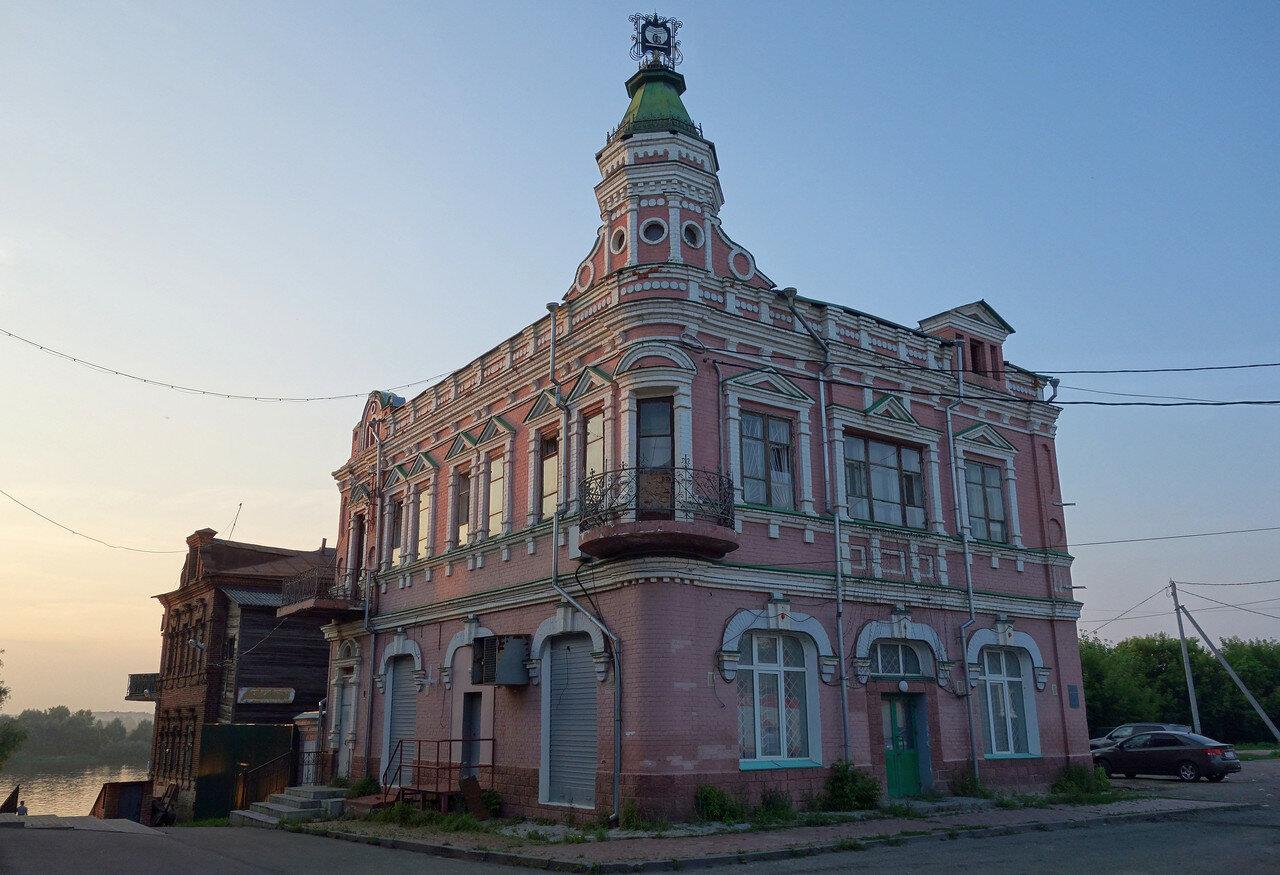 дом Алипова
