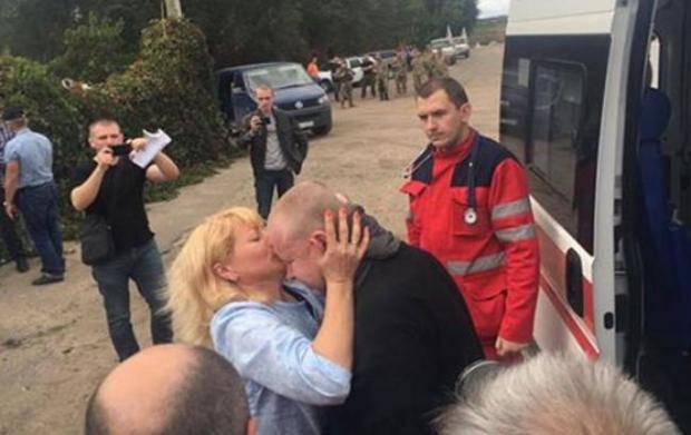 """Он держал в руках оружие, пока их имел: """"Я патриот Украины, хоть и русский по национальности. За войной придет победа, и мой родной город освободят"""", - экс-узник Жемчугов"""