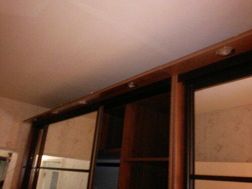 Установка стационарного выключателя мебельной подсветки на Планерной улице (Приморский район СПб).