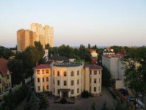 Путешествие и отдых в Одессе - вид из окна гостиницы