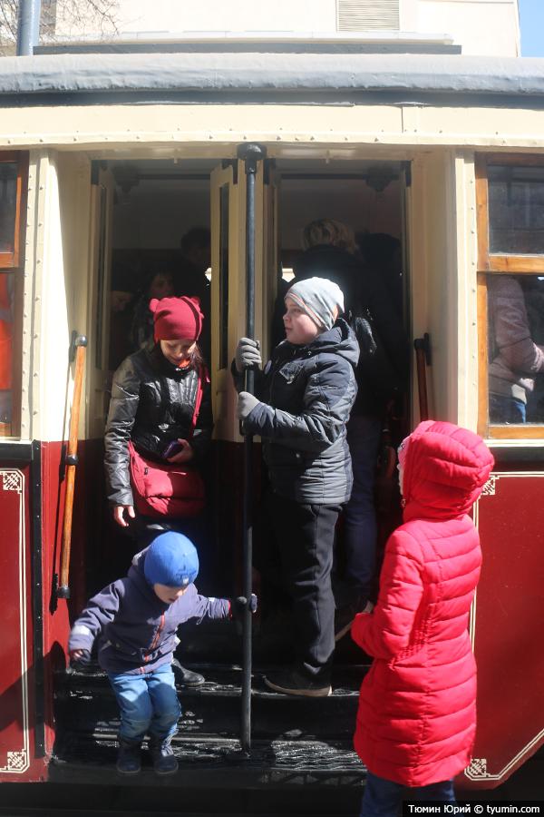 Журналист и путешественник Юрий Тюмин поделился с экологами репортажем о параде трамваев в Москве  - фото 22
