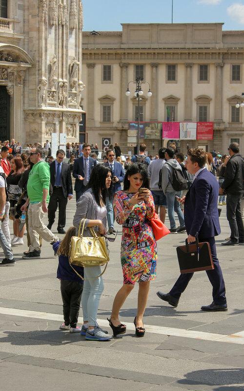 Посетители площади Дуомо