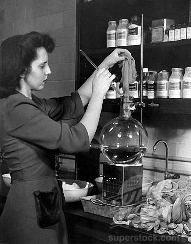1. Итак, в лабораториях химического концерна DuPont в 1938 году закончилась разработка синтетическог