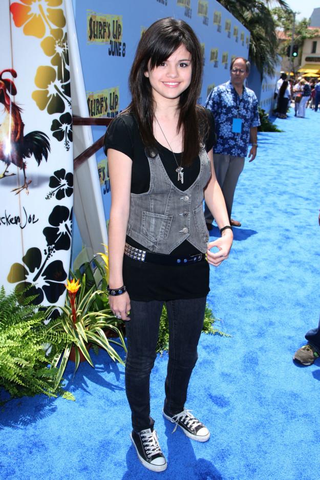 Селена Гомес на премьере мультфильма «Лови волну» в 2007 году.