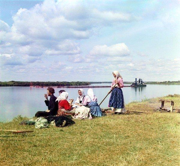 Мало кто знает, что за 150 лет до Инстаграма родился фотограф, который снимал жизнь России на цветную камеру (9 фото)