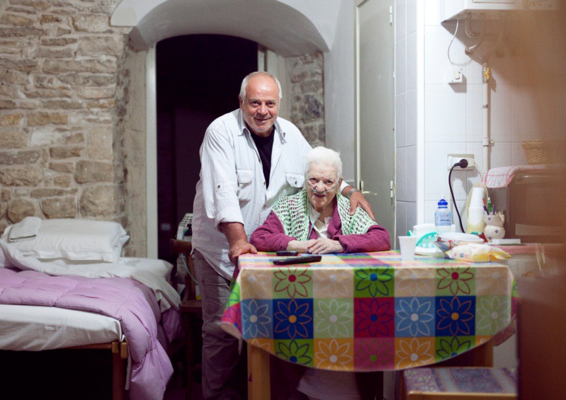 6 Мать и сын. Джовинаццо, Италия
