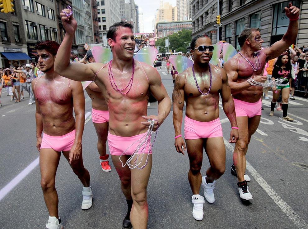 Мэрия отказала организаторам впроведении гей-парада в столицеРФ