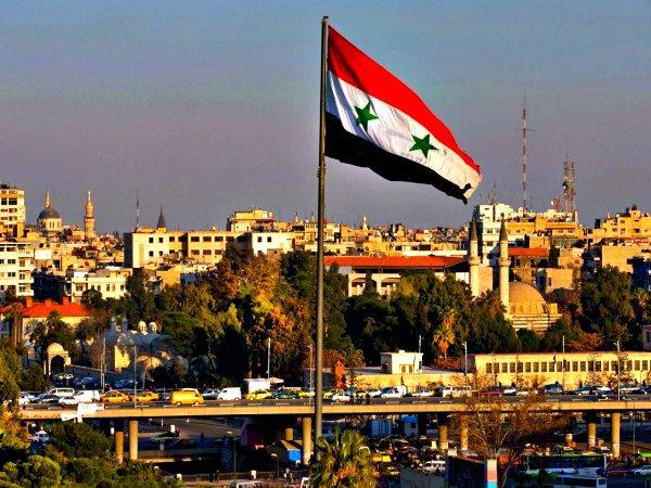 США признали авиаудар коалиции посирийским правительственным войскам