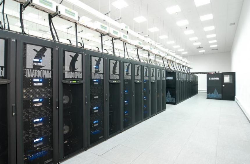 Суперкомпьютер «Ломоносов» вближайшие дни удвоит мощность