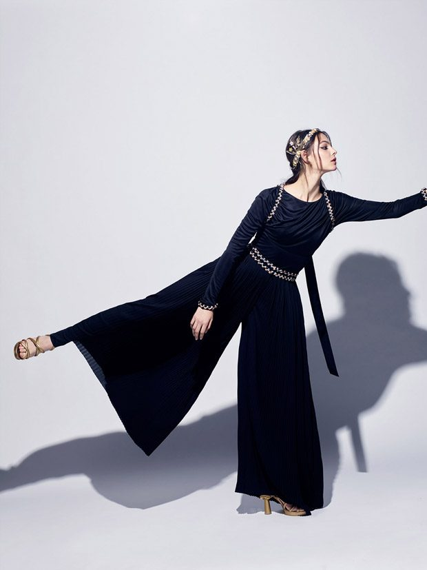 Top Model Vittoria Ceretti Models Chanel Cruise 2017.18 Collection