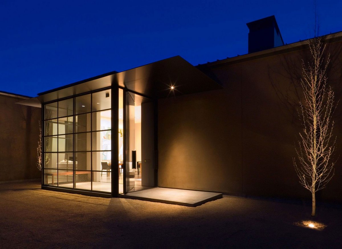 подсветка участка частного дома