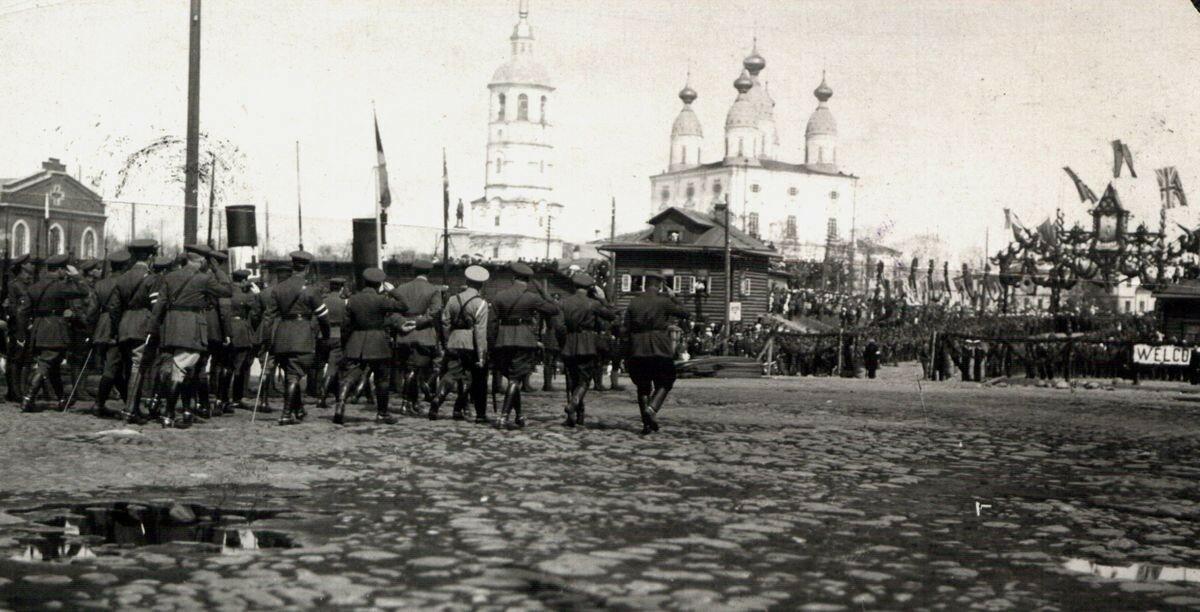 Высадка английских добровольцев.  1919