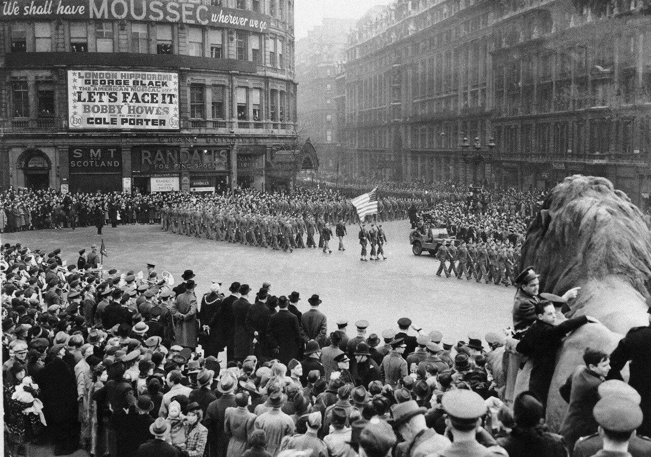1943. 11 марта. Американские войска подходят к Трафальгарской площади