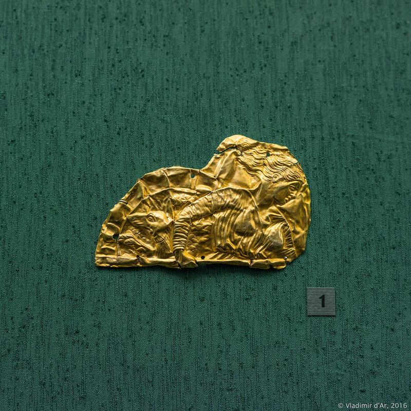 Фрагмент обкладки горита с изображением фигуры Скиллы. Первая четверть IV в. до н.э.