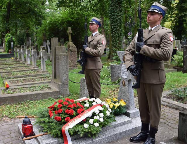 Украинские знаменосцы в качестве союзников приняли участие в параде по случаю Дня Войска Польского. ВИДЕО+ФОТОрепортаж