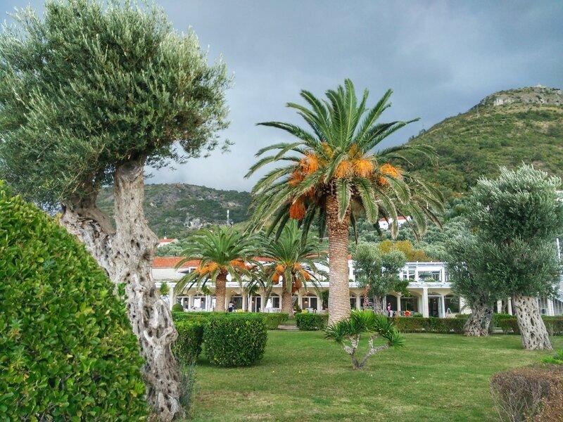 Святой Стефан отель-остров внутри