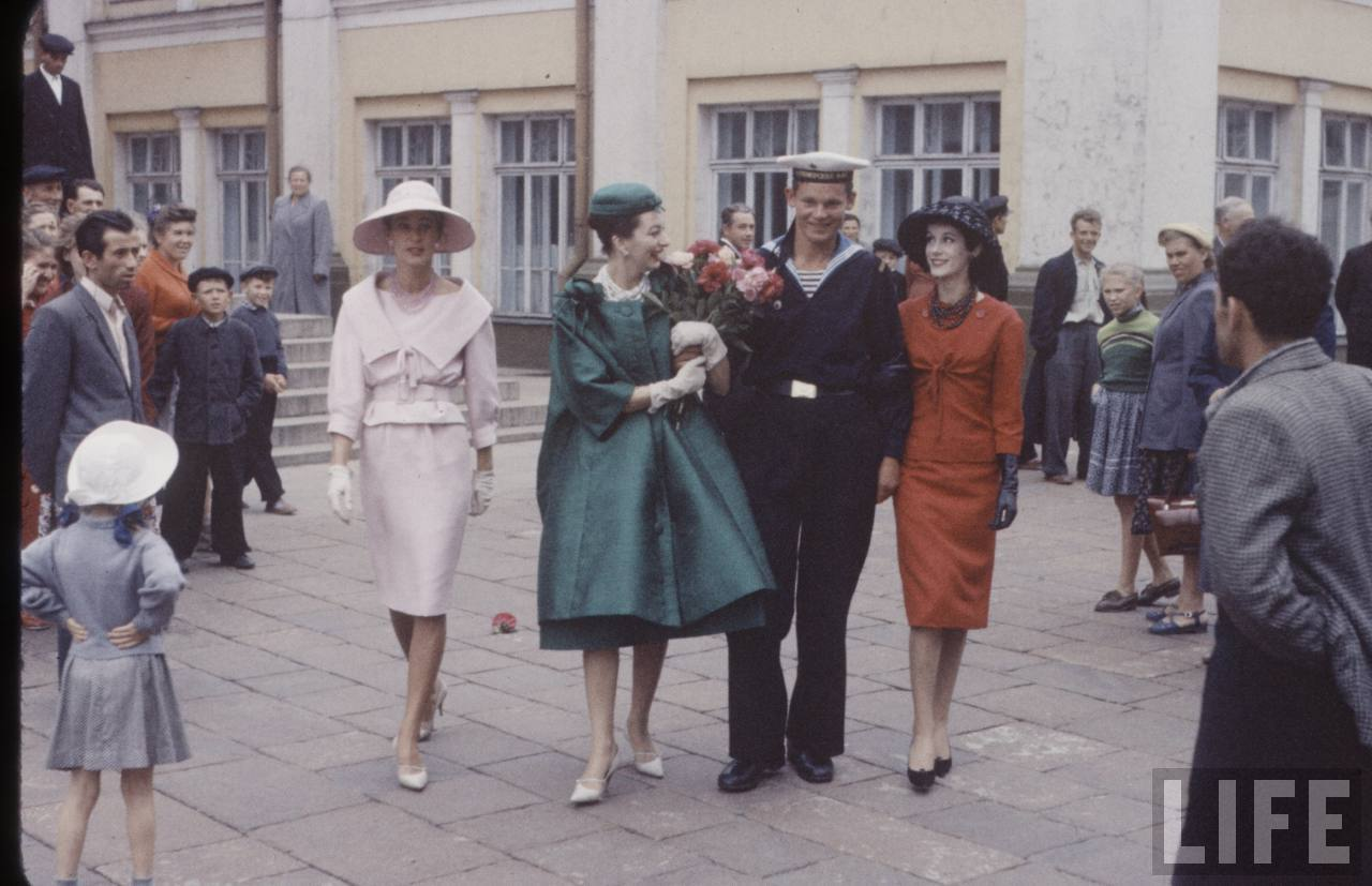 71847bfb9c56 Christian Dior в СССР. Первый визит в Москву. 1959 год. (62 фото ...
