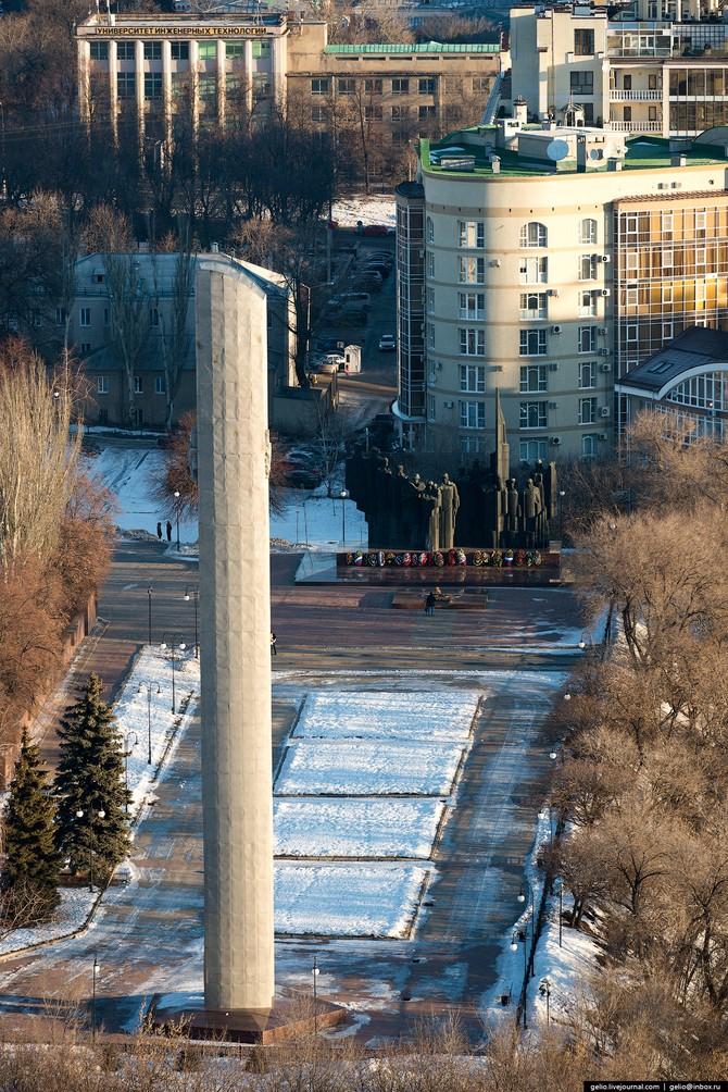 Стела с орденом Отечественной войны первой степени.