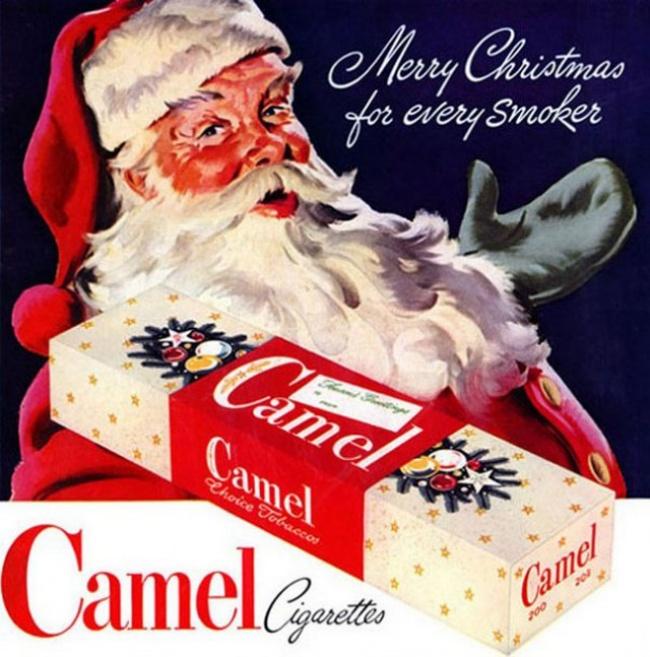 Санта Клаус поздравляет каждого курильщика сРождеством ипредлагает Camel.