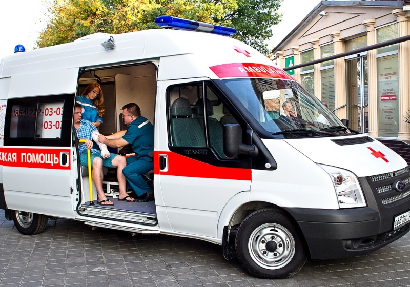 Российские производители отправили первую партию новых реанимобилей врегионыРФ