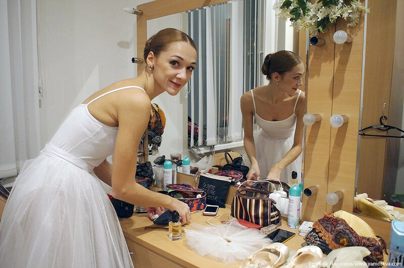 Осень. Театр Бабкиной. бек. 07.10.16.05..jpg